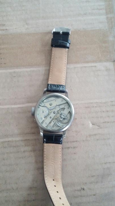Годинник Petek, Philippe&Cie, Tiffany&Co, New York на шкіряному ремінці.