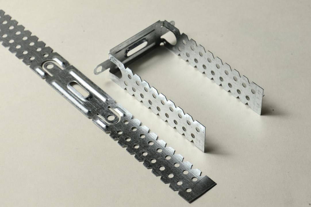 Кріплення для підвісних стель (прямі підвіски розміром 295/26мм) без маркування в картонних коробках, кількістю 70 коробок, загальною вагою брутто 252 кг