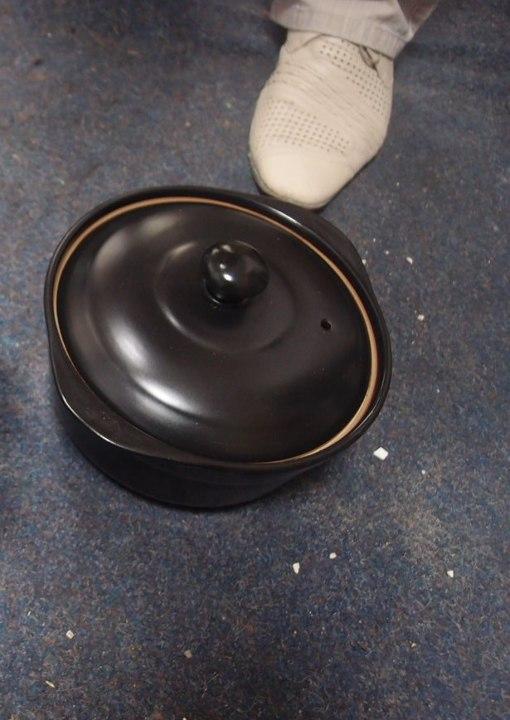 Каструля керамічна, об'єм-2,9 л., чорного кольору