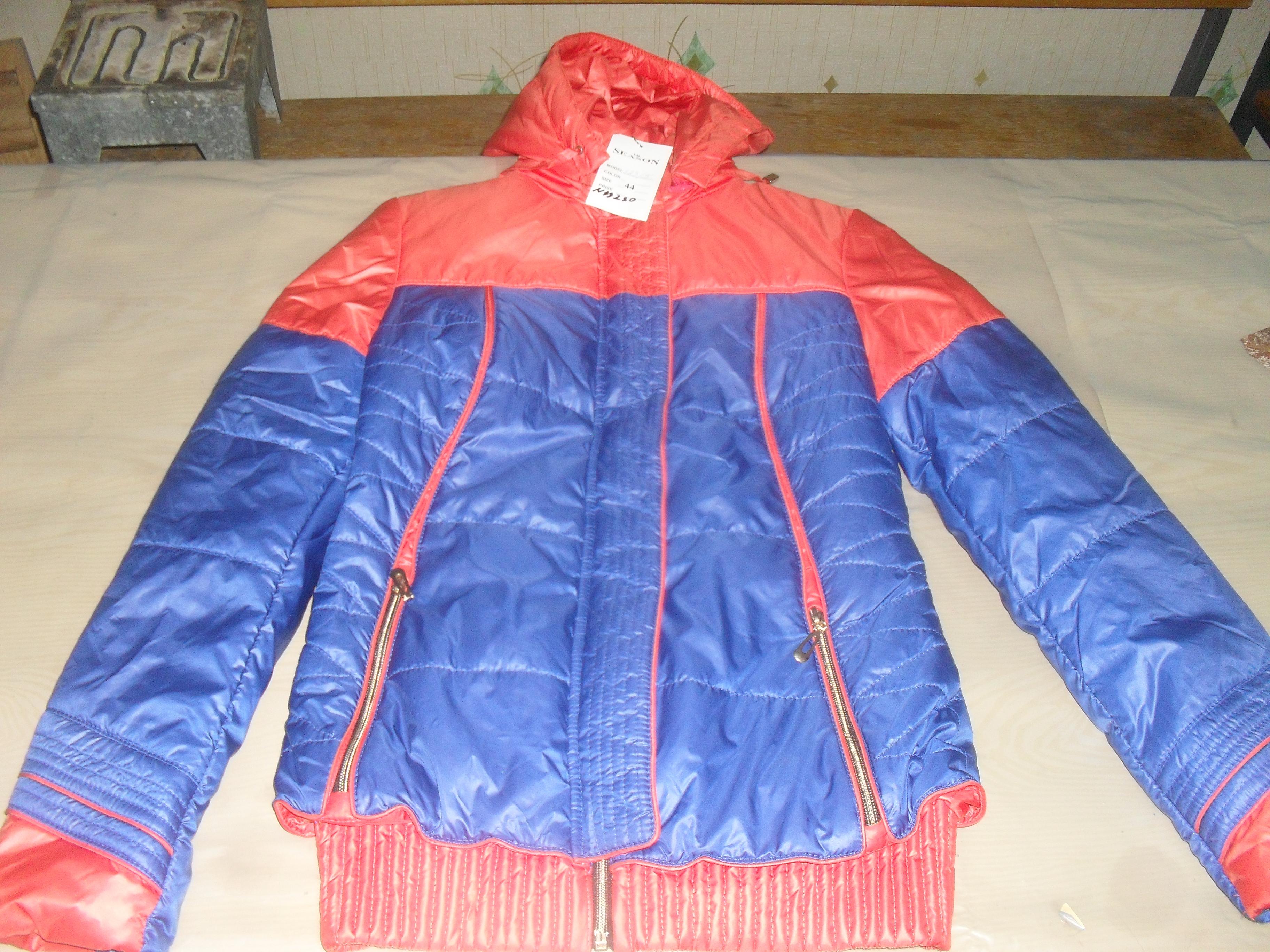 Жіночі куртки в асортименті, 11 шт.