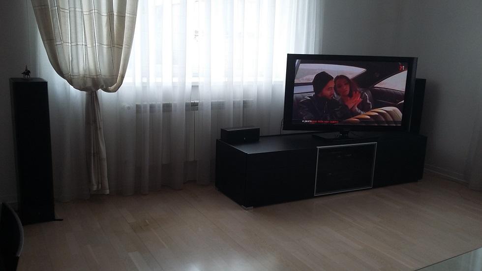 Меблі та побутова техніка у кількості 24 позицій