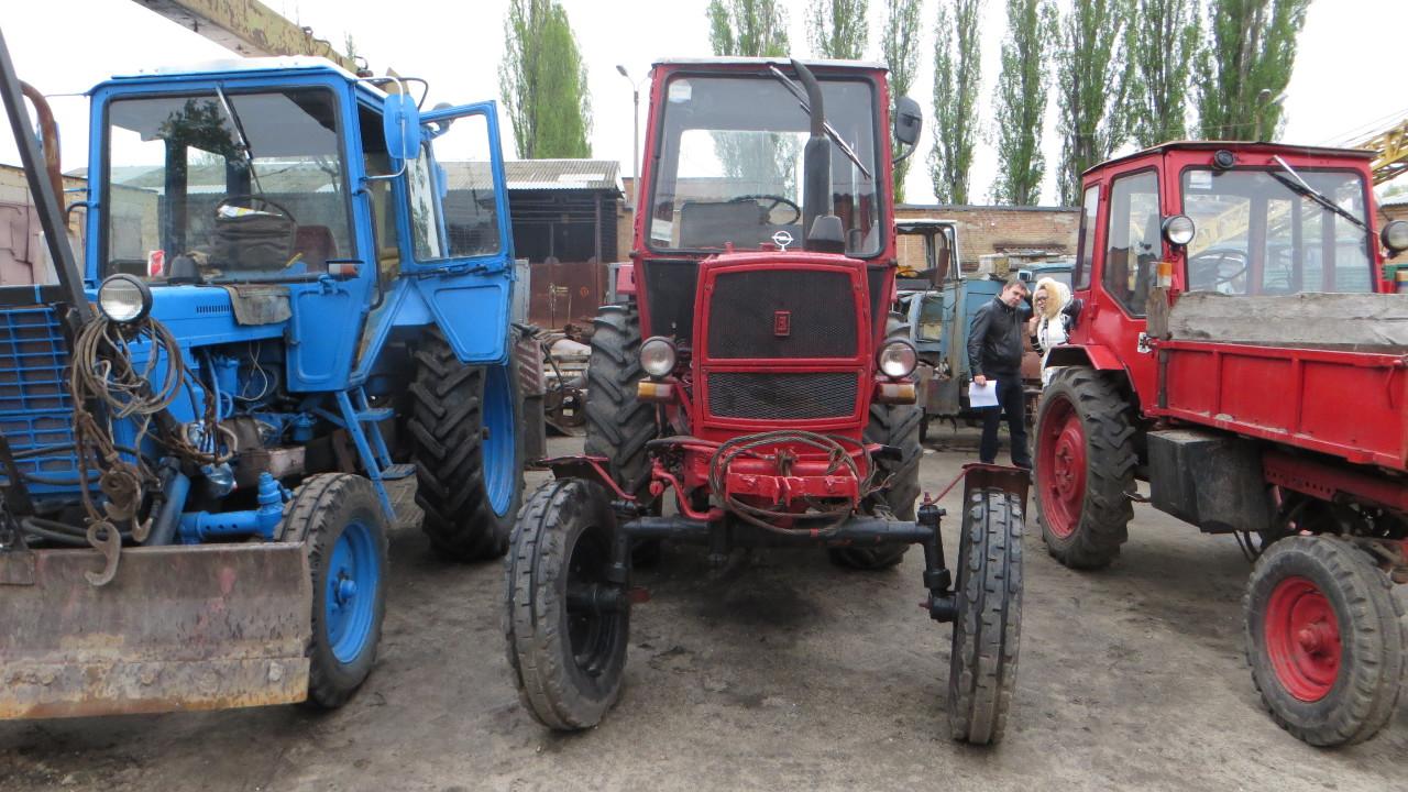 Трактор колісний ЮМЗ-6, рік випуску 1995, державний номер 15568КЕ