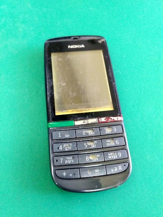 Мобільний телефон Nokia 300
