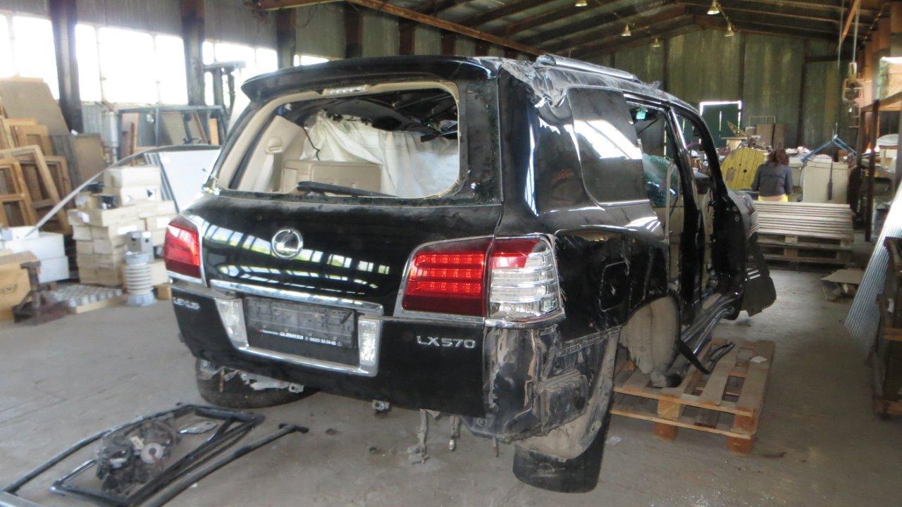 Автомобіль марки LEXUS LX 570, типу легковий універсал-В, 2008 року випуску, державний номер ВА 1111 АС, номер шасі JTJHY00W284009302