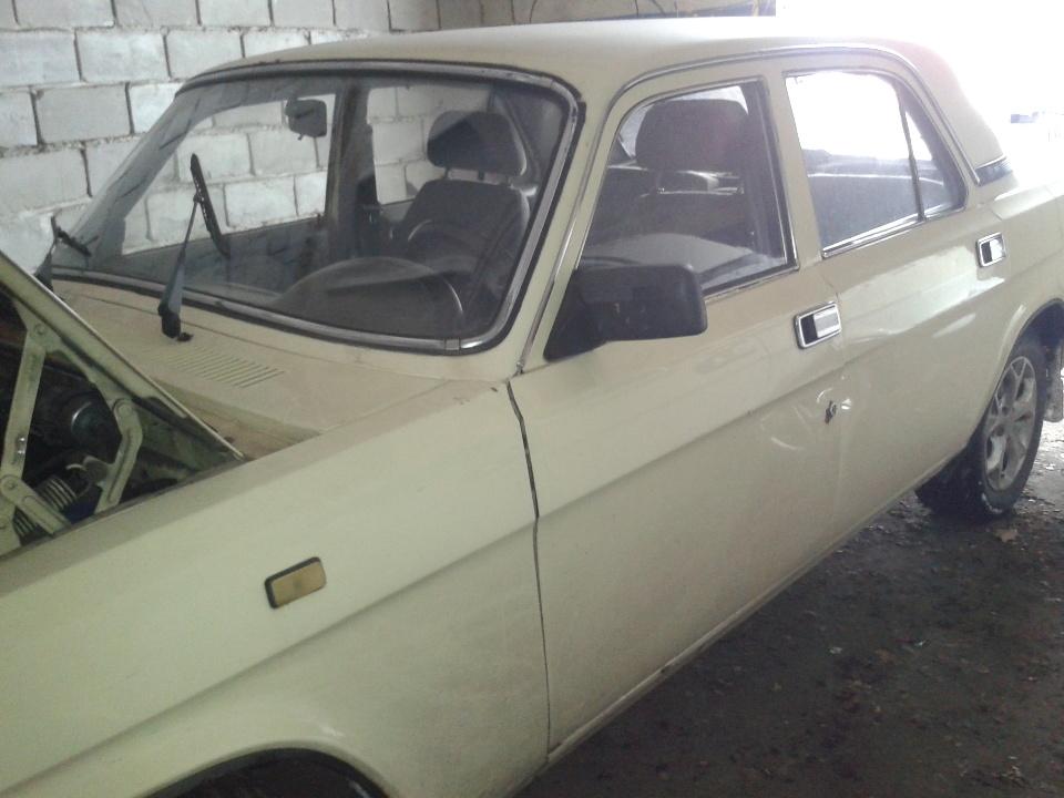 Легковий седан ГАЗ 3110, 2001 р.в., номер VIN: Y7F31100010003214, державний номер 60679ЕВ