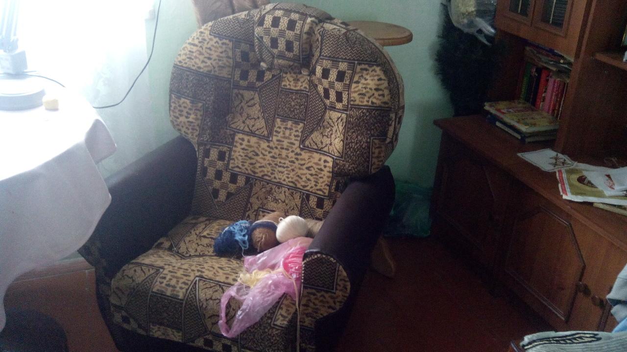 М'які крісла у кількості 3 шт