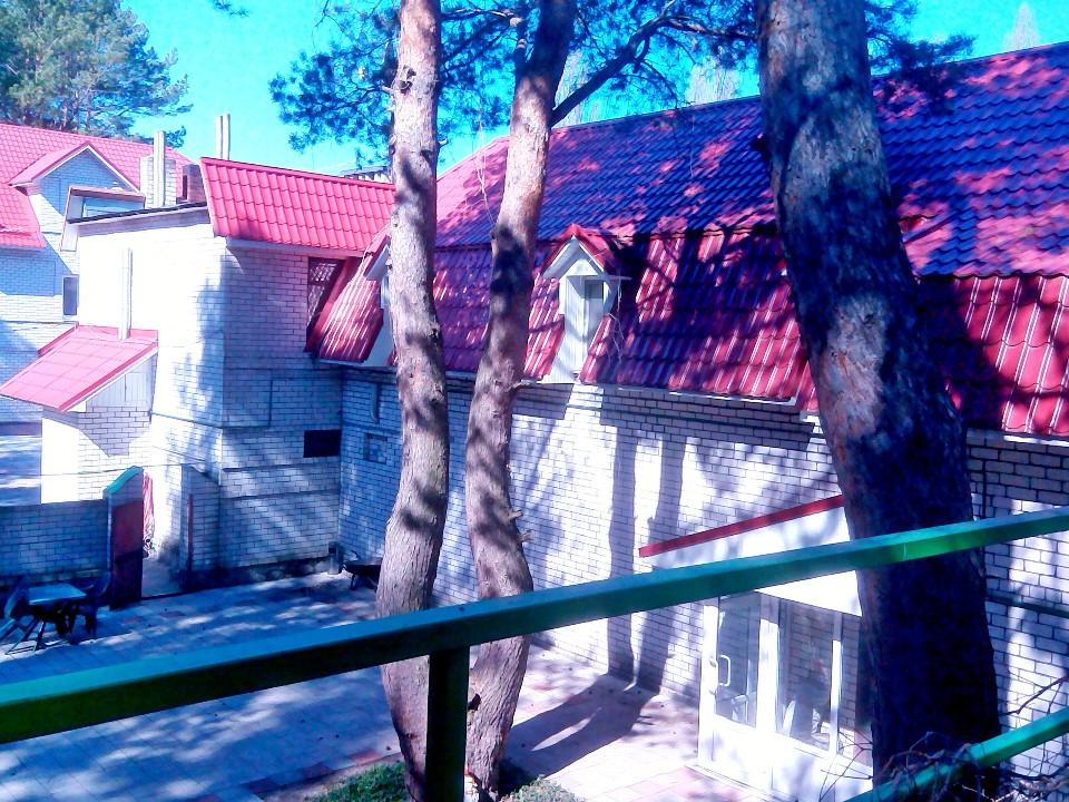 ПРЕДМЕТ ІПОТЕКИ. Комплекс будівель кафе та сауни, загальною площею 377,7 кв. м., що знаходиться за адресою: вул. Новогеоргіївська, буд. 2-б, м. Світловодськ, Світловодський р-н, Кіровоградська обл.