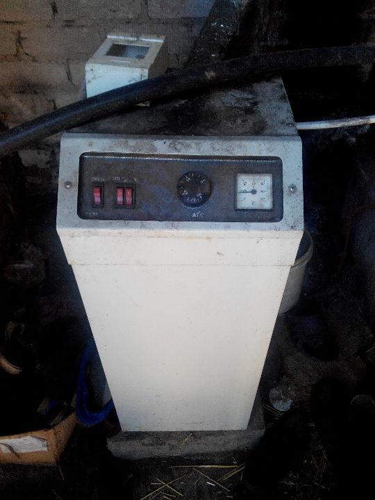 Апарат електричний водонагрівач 12 кв