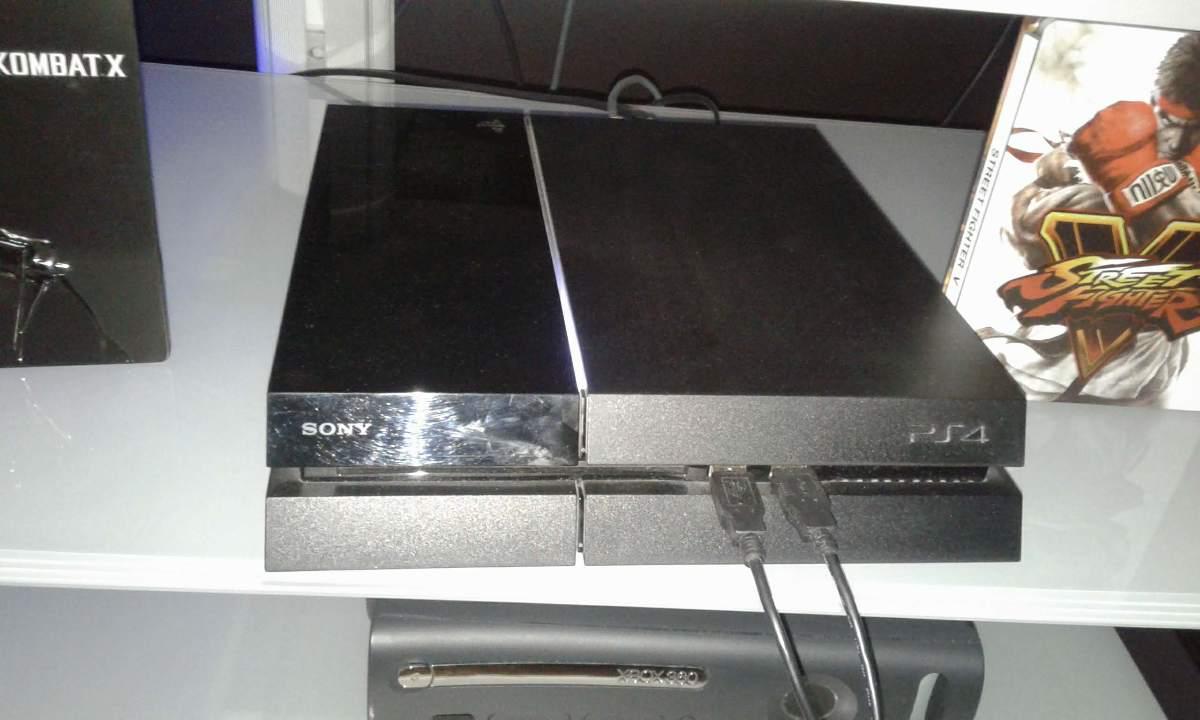 Гральна приставка Sony PS 4