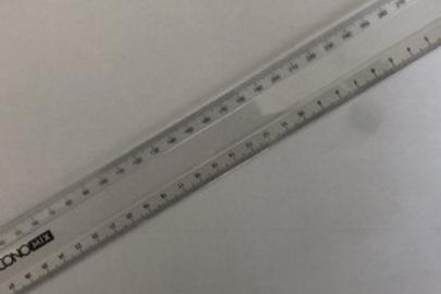 Лінійка розміром 30 см