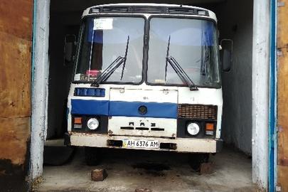 Автобус ПАЗ 3205, 1999 року випуску, ДНЗ: АН6376АМ, білого кольору, VIN: Х1M32050RX0002381