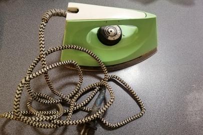 Праска УТ1000-1,2.220, зеленого кольору, б\в.