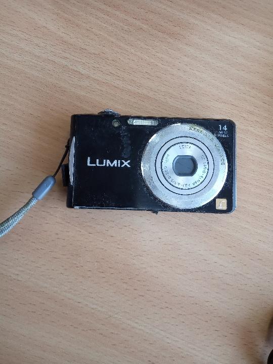 Цифрова камера PANASONIC DMC-FS16EE-K Black Lumix