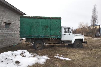 Автомобіль ГАЗ 3307 (бортовий-С), 2002 року випуску, реєстраційний номер 02912СВ, колір білий, кузов № ХТН33070020823669