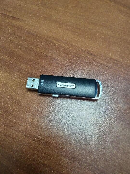 Флеш накопичувач Transcend 8 GB, чорного кольору, б/в, 1 шт.