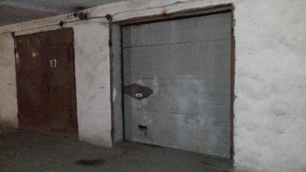 Гараж №18 загальною площею 20.2 м.кв., що знаходиться за адресою: м.Хмельницький, вул.Водопровідна,16