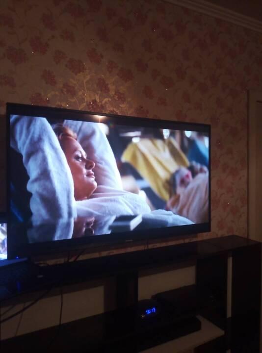 Телевізор LED Elenberg
