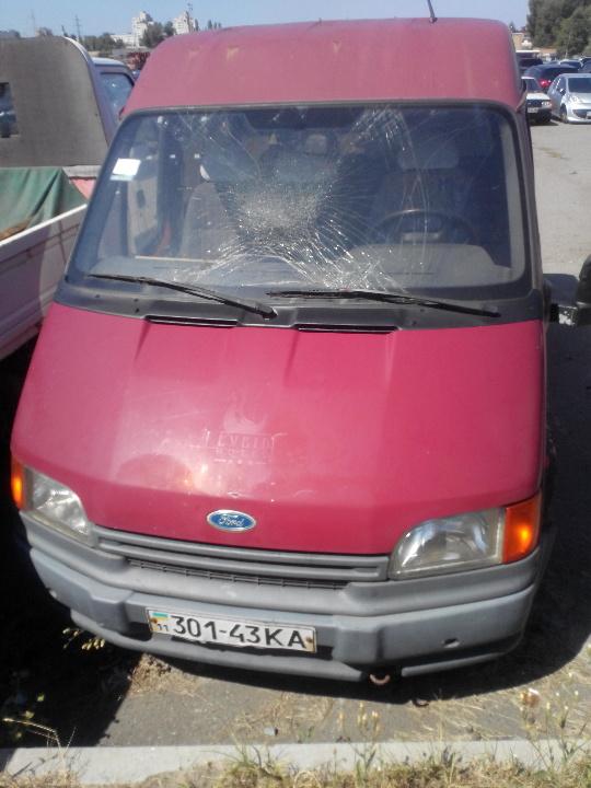 Транспортний засіб -  мікроавтобус - D FORD Transit D, 1993 р.в., реєстраційний номер 30143КА, № кузову: WFOEXXGBVEPK56284