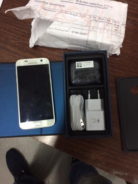 Мобільний телефон  Samsung Galaxy S7 SM-G930F, у кількості - 1 шт.