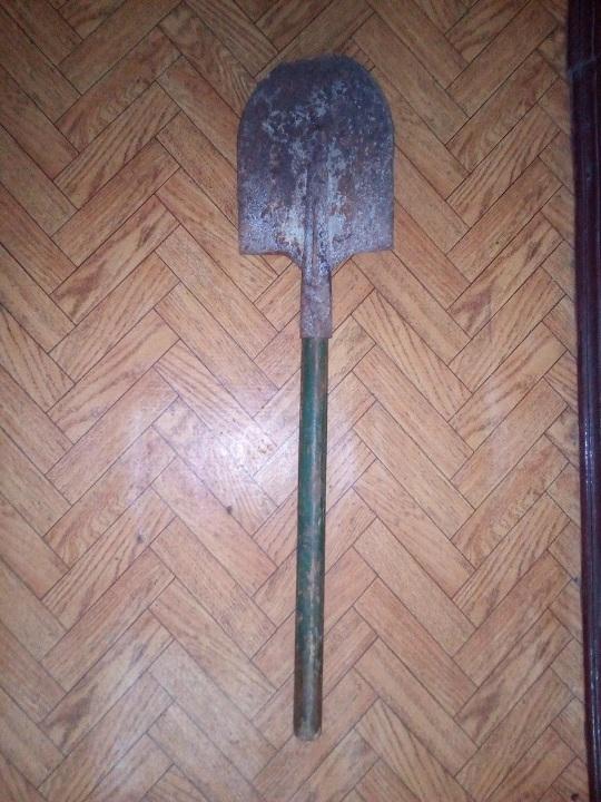 Штикова лопата з дерев'яною ручкою, б/в