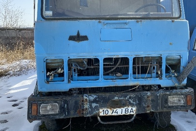 Вантажний автомобіль марки МАЗ, модель: 53371, 1995 року випуску, д.н.з. 1074 ІВА, кузов номер: 3406100S017335МТХ, синього кольору