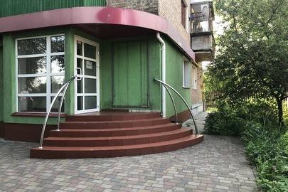Двокімнатна квартира, загальною площею 39,5 кв.м., що знаходиться за адресою: Черкаська обл., м. Сміла, вул. Свердлова (Соборна) буд. 95 кв. 49