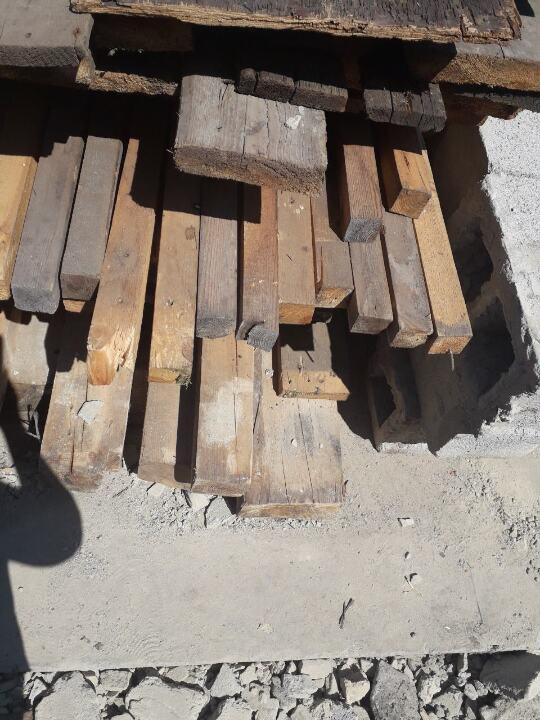 Брус дерев'яний в кількості 38 шт.