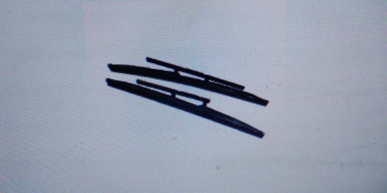 Резинка на каркасний склоочисник, в кількості 2 шт.