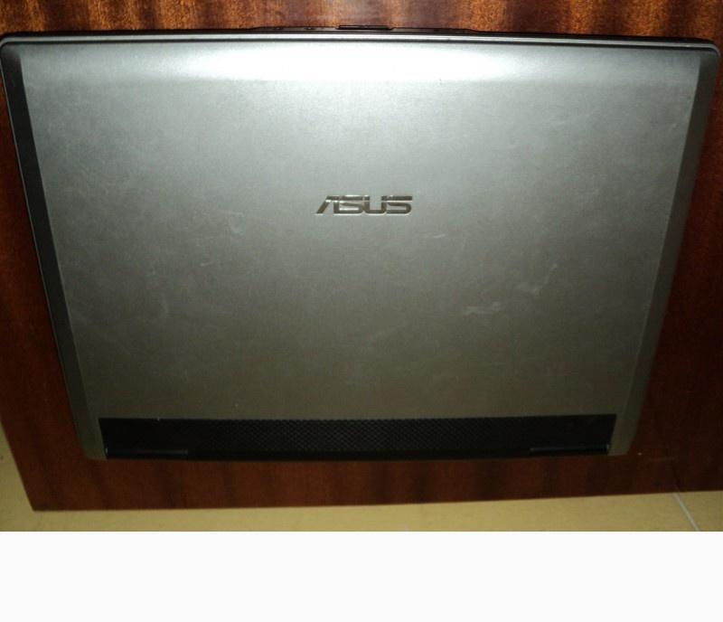 Ноутбук ASUS, сірого кольору , робочий стан не перевірявся