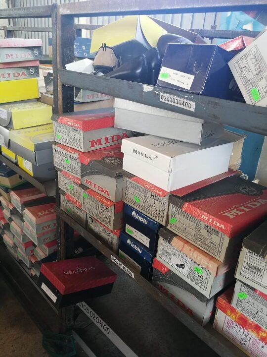 Жіноче взуття в асортименті, в кількості 175 пар