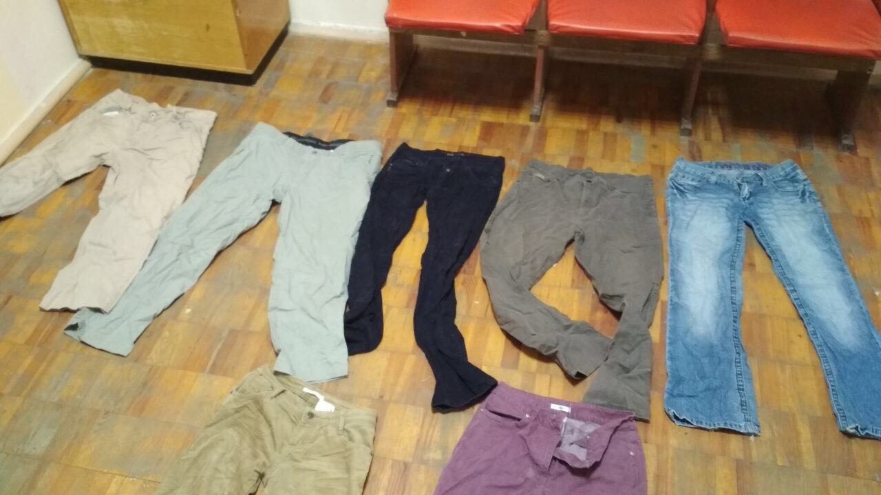 Кофти в кількості 37 шт., штани в кількості 7 шт., б/в
