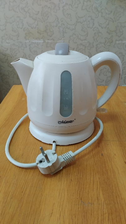 Електричний чайник  Maestro MR-028