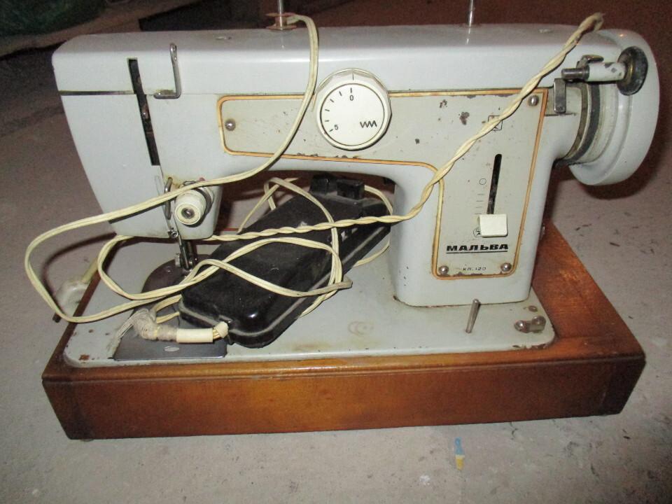 Швейна машинка «Мальва»