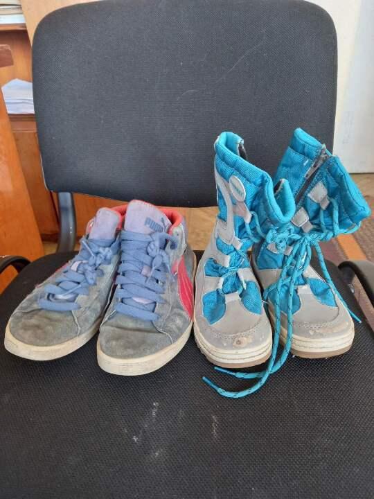 Кросівки дитячі різних розмірів та кольорів у кількості 2 пари, б/в