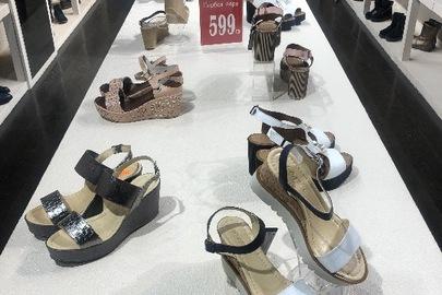 Взуття різних розмірів та моделей 711 інвентарних позицій
