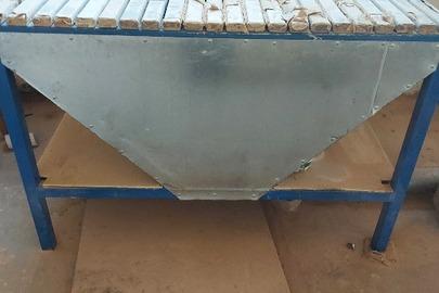 Стіл для зачистки деталей, б/в, в кількості – 3 шт.