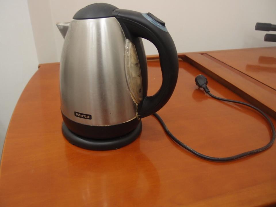 """Електрочайник """"Mirta""""  модель KTT 27, 2012 р.в"""