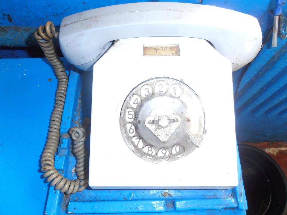 Стаціонарні телефони, б/в, у кількості - 2 шт.