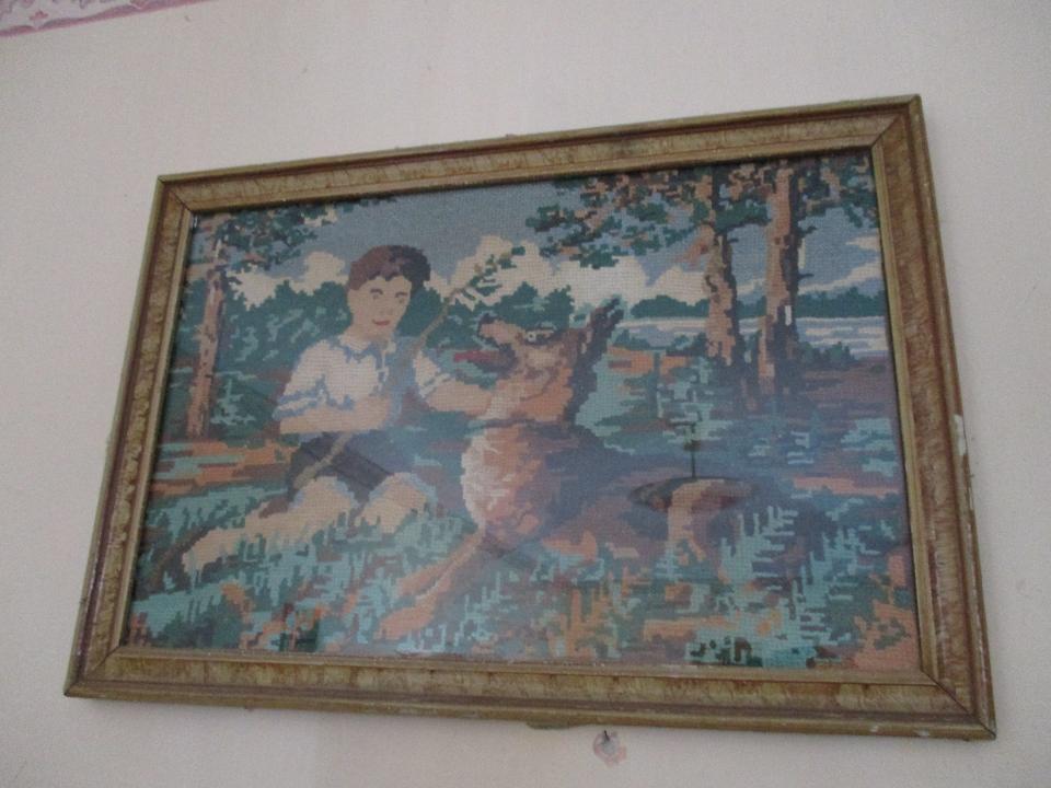 Картина вишита, в коричневій рамці з склом, Б/К