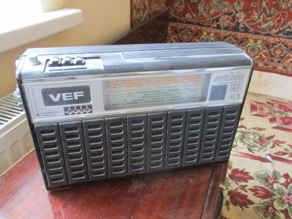Радіо - приймач VEF, чорного кольору, модель - SPIDOLA-232, Б/К, робочий стан не перевірявся