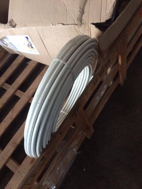 Труба металопластикова, різних діаметрів та різної довжини, в кількості 3 шт.