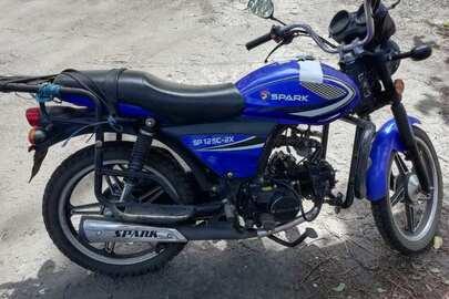 Мотоцикл марки Spark, модель SP 125C-2X, 2017 року випуску, реєстраційний номер АЕ8401АВ, синього кольору, VIN/шассі-LB412P9A1HC043227, обєм двигуна – 127 куб.см.