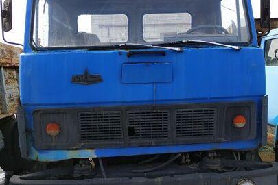 Вантажний автомобіль: МАЗ-54331 (сідловий тягач), 1991 р.в., синього кольору, ДНЗ: ВВ5944АІ, VIN: XTC 543310М0005673