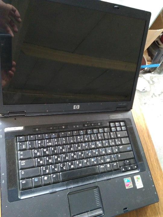 Ноутбук HP Compaq nx8220, s/n CNU52927CP, чорного кольору, б/у