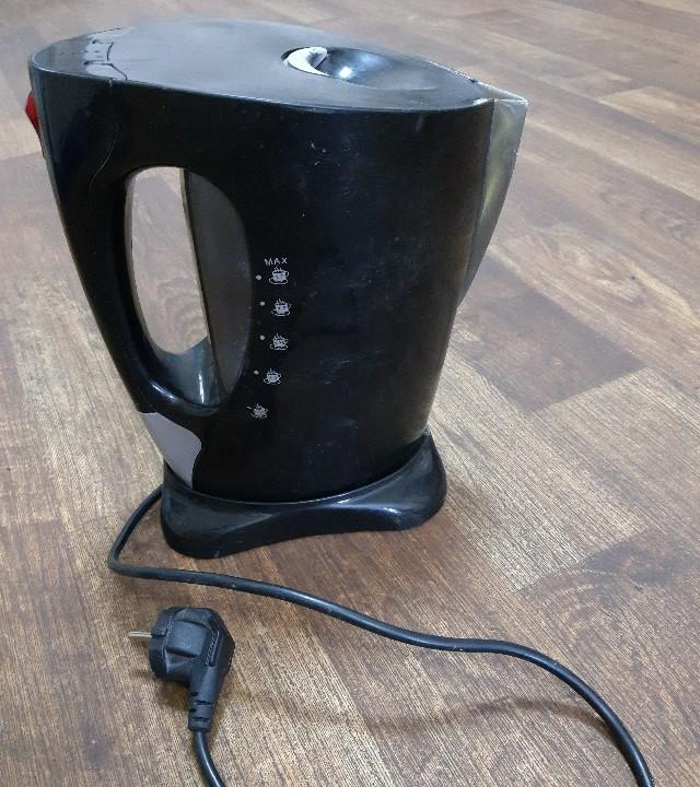 Електричний чайник Elekta EKT -2710CL