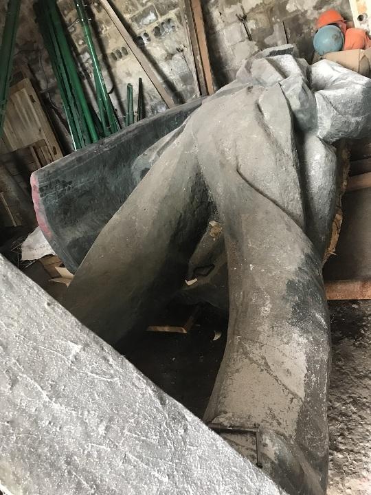 СЕТАМ продает 6-тонного бронзового Ленина для выплаты долгов по зарплате 02