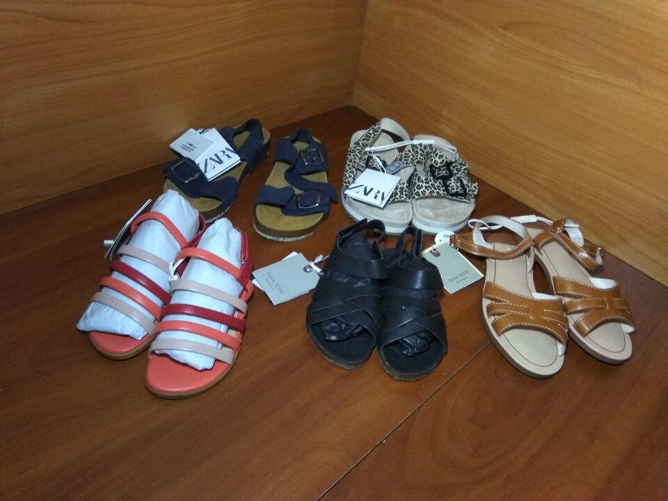 Взуття дитяче, босоніжки, різних розмірів, фасонів та кольорів іноземного виробництва в кількості 8 пар