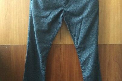 Штани джинсові чоловічі іноземного виробництва, різних розмірів та кольорів в кількості 8 штук