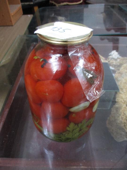 Мариновані помідори в банці 3 л