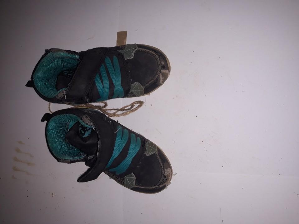 Кросівки дитячі, синього кольору, б/в, одна пара